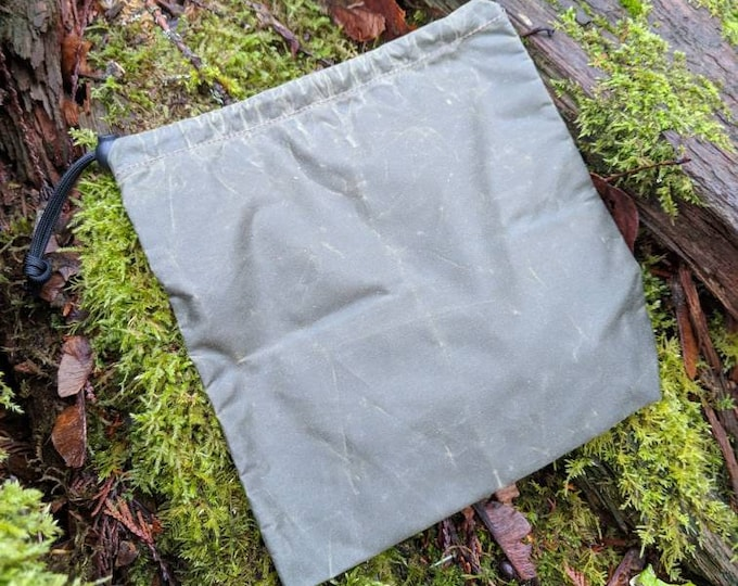 Small Lightweight Waxed Canvas Bag to keep your Gear Organized by PNW Bushcraft