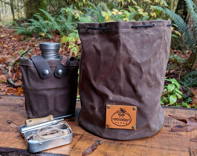 XL Handmade Waxed Canvas Round Bottomed Ditty Bag with Toggle for Cook Set, Bushcraft, Camping and the Great Outdoors.