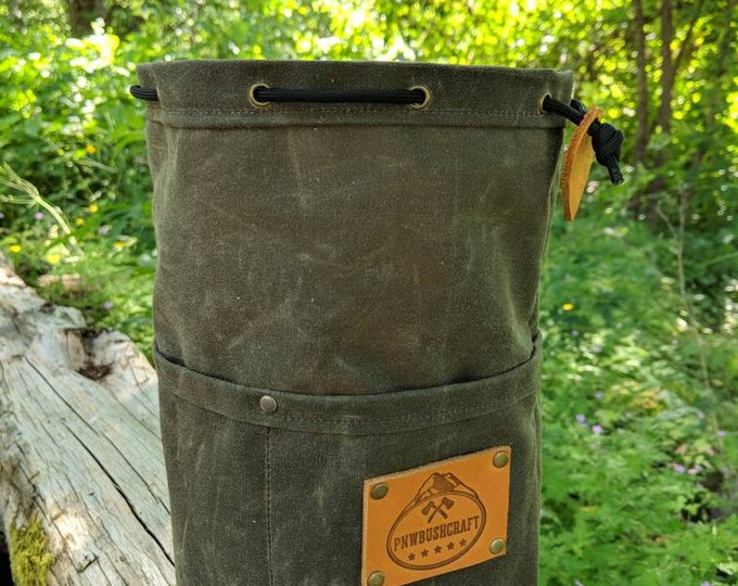 Olive Green Waxed Canvas Round Bottomed Ditty Bag with Pockets and a  Leather Tag for Cook Set, Bushcraft, Camping and the Great Outdoors