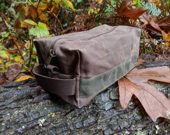 Handmade Waxed Canvas Bag with Zipper for Bushcraft, Camping, Grooming and the Great Outdoors.