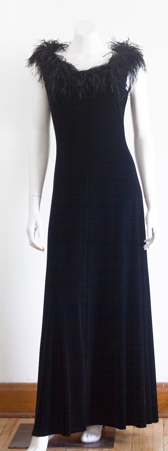 Black velvet sleeveless gown with marabou feather… - image 10