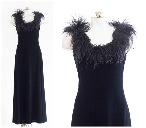 Black velvet sleeveless gown with marabou feather… - image 9