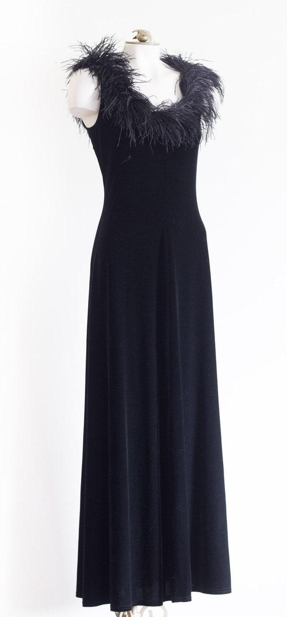 Black velvet sleeveless gown with marabou feather… - image 2