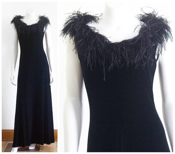 Black velvet sleeveless gown with marabou feather… - image 1