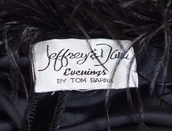 Black velvet sleeveless gown with marabou feather… - image 7