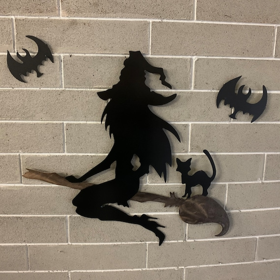 Wall hanging scary witch   Home Decor