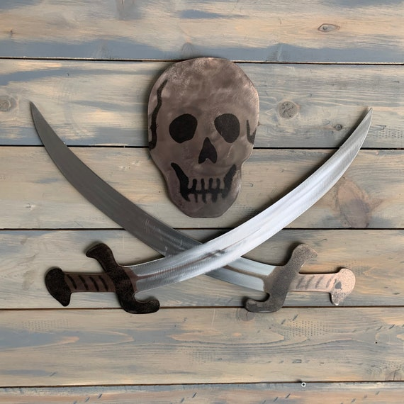 Metal scull and swords  Home Decor