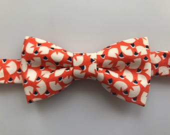 Orange and beige Bow tie for boys/toddler/youth. Fall bow tie. Autumn bow tie. Orange and beige bow tie.