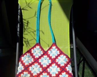 "collection ""grannyred"" crochet handbag"