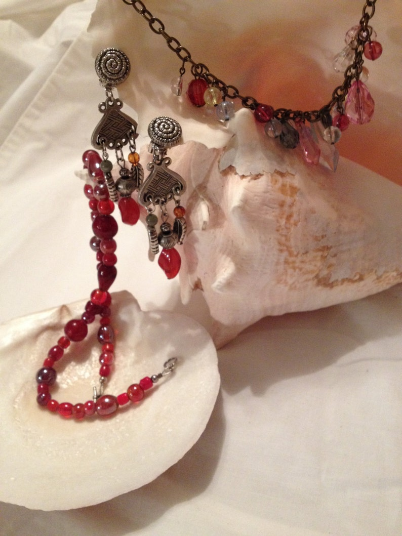 Vintage Cherry Glass Bead Choker Free Shipping Lucite Earrings and Bracelet