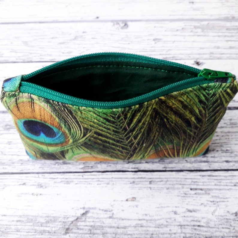 Feathers Quilted Coin Purse CP089