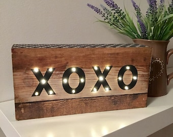 Wooden LED XOXO Light Box/Night Light