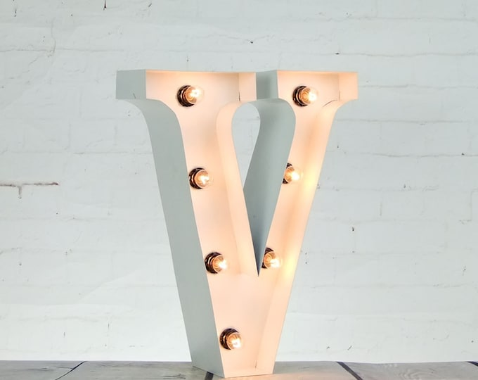 """15""""/ 38cm Mains Powered Vintage Marquee Letter Light - Letter V - Floor Light - Wedding Prop/Display - Available in Rusty, Red or White"""