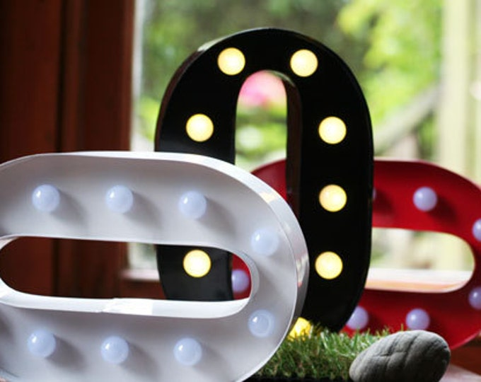 Vintage Carnival Style Light up Letter O - Battery Operated