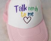 "Besticktes Trucker Cap ""Nerdy talk"" -  geek Mode Accessoire mit Stickerei"