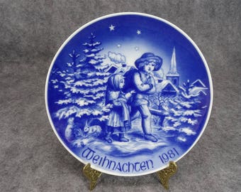 Bareuther Bavarian Porcelain Christmas Walk In The Forest Plate 1981