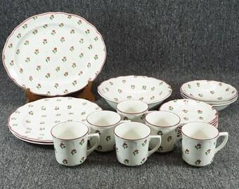 Vintage Johnson Bros. England Bonjour 19 Piece Porcelain Dinnerware Set Floral
