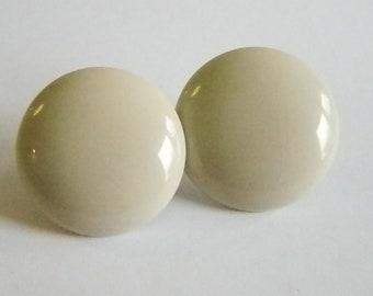 Vintage Beige Button Style Pierced Earrings