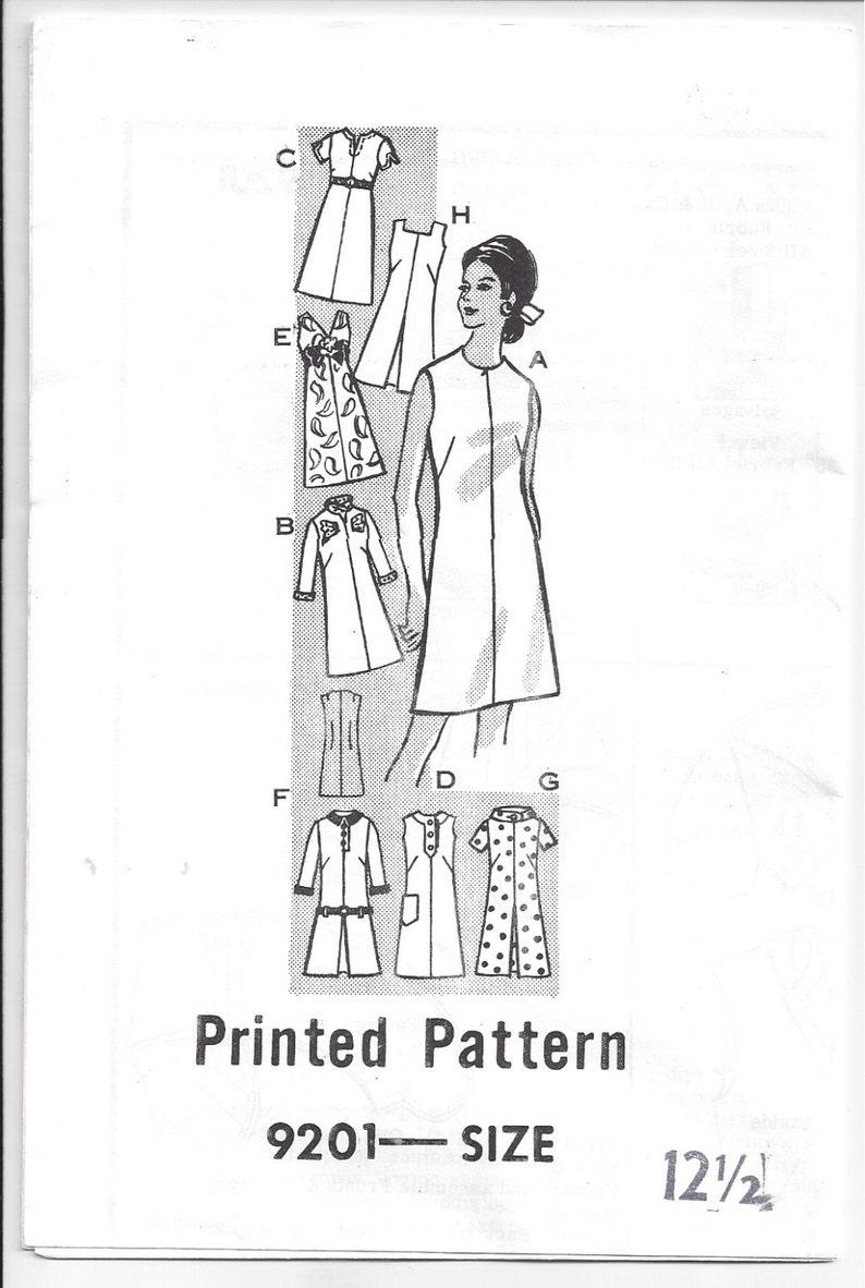 61e9603046e 1960  s une ligne mod robe  décolleté Variations de