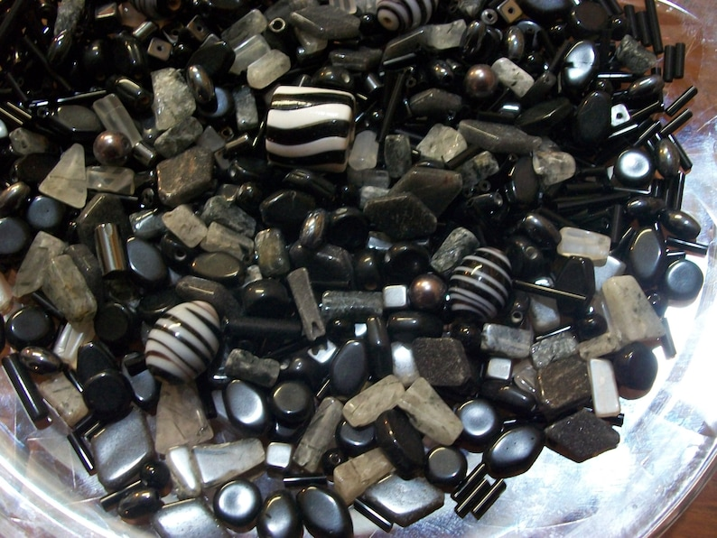 Quartz 14 LB Black  Grey Glass /& Stone Bead Soup Moonstone Hematite Jewelry Making Craft Supplies 115g Bulk Beads by the Pound