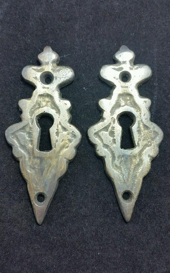 "4 Vintage Antique Style Eschutcheon Keyhole Covers ornate  size 3 3//8/"" tall #E2"