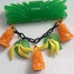 Three Wise Monkeys Bright Green Fakelite Bar Pin or Set With See No Evil, Hear No Evil, Speak No Evil Monkeys, Leaves & Bananas