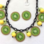 Kiwi Slice Necklace & Earrings With Yellow Berries and Leaves. Confetti Lucite Style 50s, 60s, Pinup, Tiki, VLV, Tropical, Fruit Salad