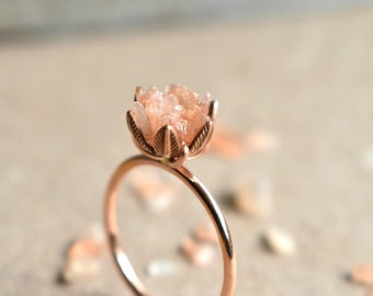 Unique Peach Moonstone Ring, Lotus Flower Ring in 14K Rose Gold Fill, Uncut Gem Engagement Ring, Raw Rough Peach Moonstone Jewelry for Women