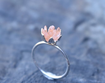 Unique Peach Moonstone Ring, Lotus Flower Ring in Sterling Silver, Uncut Gem Engagement Ring, Raw Rough Peach Moonstone Jewelry for Women