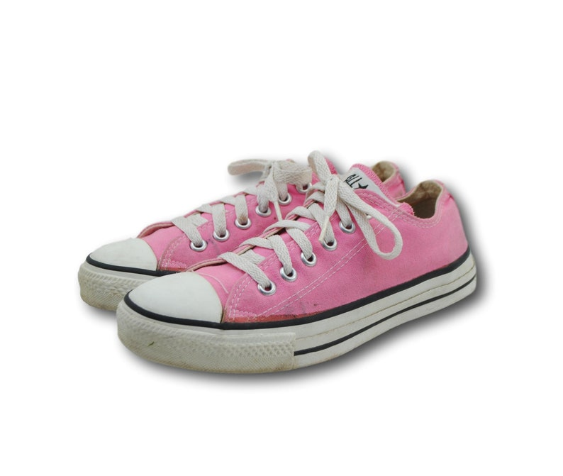 bbe42287ef8676 Vintage USA CONVERSE Chuck Taylors Pink Canvas Low Top