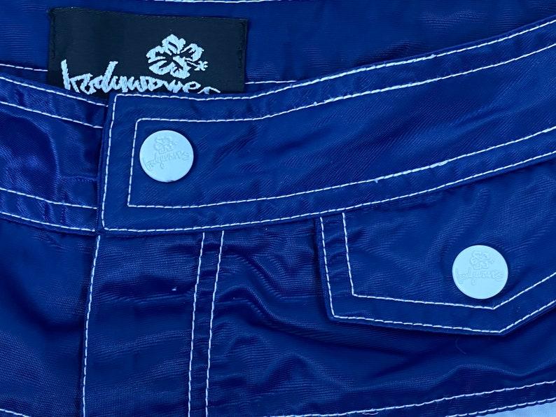 Vintage 90/'s BODY WAVES Blue Striped100/% Nylon Swim Trunks Beach Surf Board Shorts Sz 9