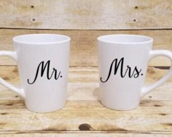 Mr Mrs coffee mugs, His Hers Coffee Mug, Custom coffee mug, Engagement Gift, Coffee Mugs, Couples mug sets, engagement gift mug, Coffee Mugs
