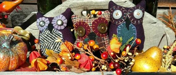Primitive Trio of Hoot Owls for Halloween
