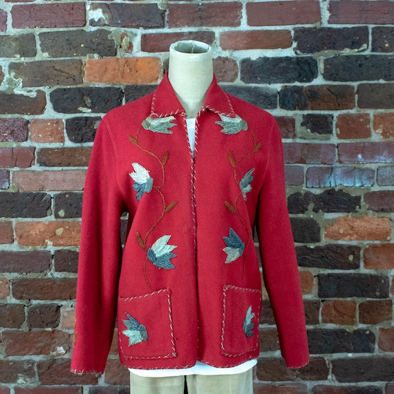 Red cut and embroidered Mexico souvenir jacket in wool and felt circa 1940