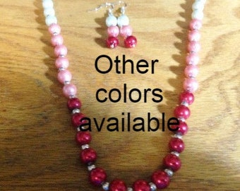 Ombre sets, Ombre Line, graduated pearls, colored pearls, earrings and necklace,