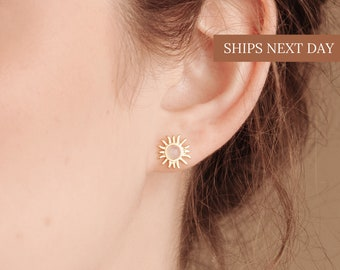 SOL Stud Earrings ∙ Special Moonstone Sun Studs by Caitlyn Minimalist ∙ Perfect Gift for Her ∙ Bridesmaid Gifts ∙ ER019