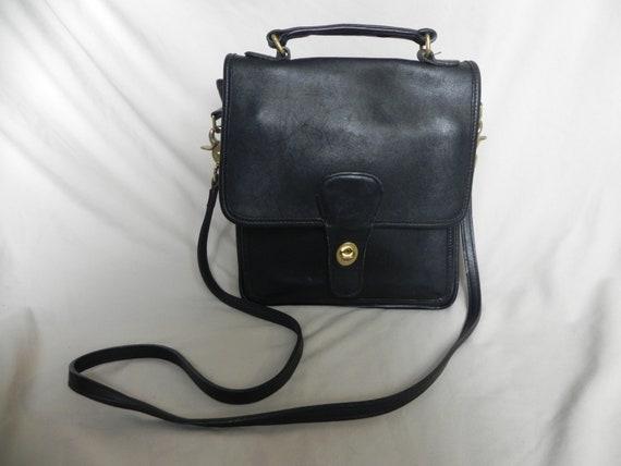 f283e8d92129 Coach Vintage Black Leather Willis Bag Crossbody Bag Shoulder