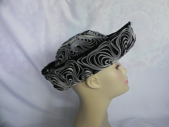 Black and White Synthetic Straw Wide Brimmed Hat D