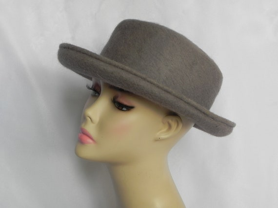 Gray Cashmere and Wool Bowler Hat Bucket Hat Forma
