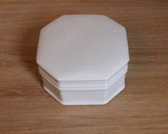 Box in Limoges porcelain white