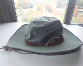 6d53bd8f20f12 Orvis Australian Bush Hat Wide Brim Forest Green Oilcloth Canvas Made in USA