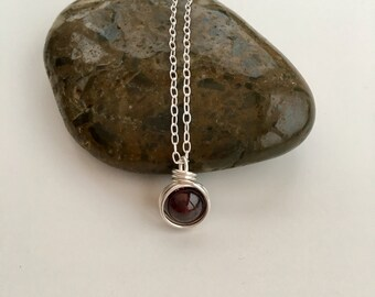 Garnet pendant, January birthstone jewellery, silver wire wrapped Garnet necklace, minimal, gift for her, sister gift, wife gift, mum gift