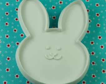 1986 Hallmark White Bunny Plastic Easter Cookie Cutter