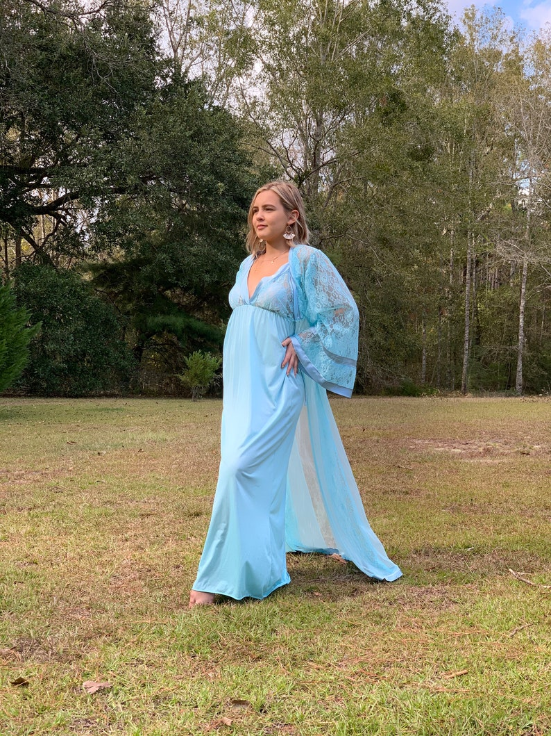 Vintage Blue Lace Penoir Set Large Gown Nightgown Couture Lingerie Bridal Maternity Photo Glamour Dressing Gown Old Hollywood