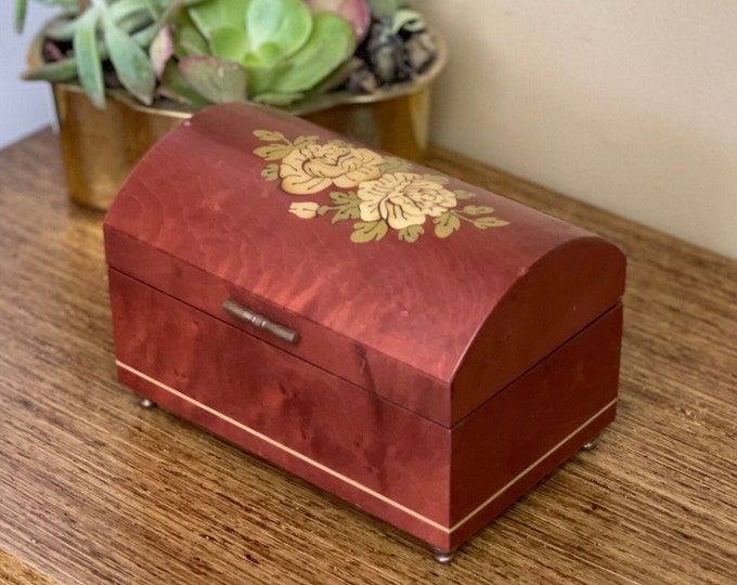 """Vintage Handmade Art Decor Inlaid Wood Works Italian Music/Jewerly Box,red velveteen lining, plays """"Speak Softly Love"""",floral,The Godfather"""