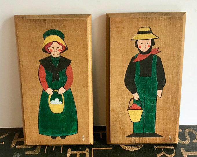 """Amish Man & Woman Hand Painted Vintage Wooden Plaques signed """"JL"""", Farmhouse, primitive country, vintage kitchen, kitchen decor, DUTCH"""