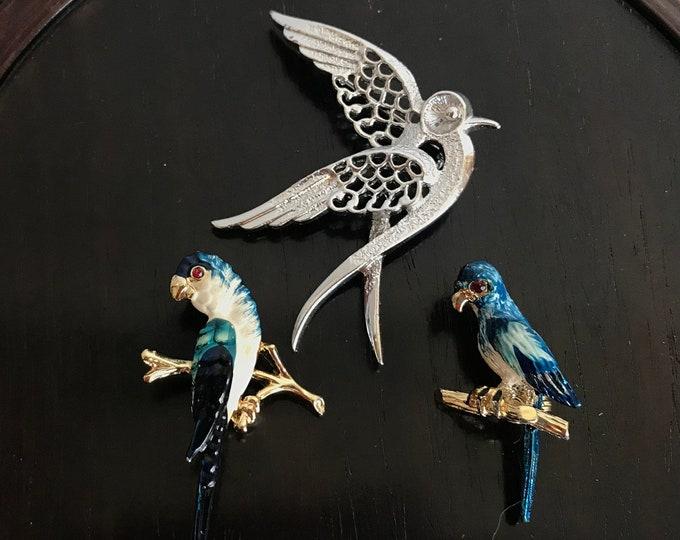 Vintage Brooch, 1960s brooch, vintage, man brooch, gift for ornithologist, gift for her, Sarah Coventry, enamel, bird brooch