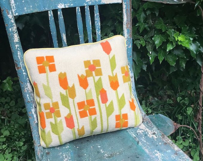 Fun and Funky Abstract Geometric Floral Wool Needlepointed Pillow w/ Linen Piping and Back, Boho decor, bohemian decor, living room decor