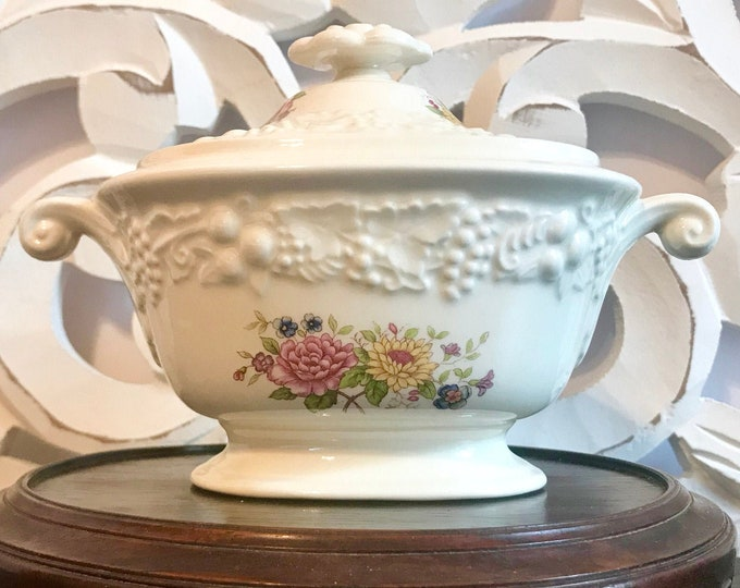 Lovely Vintage Homer Laughlin Sugar Bowl w/Lid in Theme, embossed fruit, Flowers, Covered Sugar, Coffee, tea, gift for mom, HLC, Stoneware,