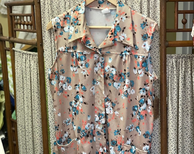 1970s Sleeveless Tan Floral Polyester Button-up Vintage Floral Print Smock w/Patch Pockets,Blue,White,orange,lunch lady shirt, grandma style